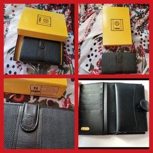 Vintage FENDI kiss lock wallet with box